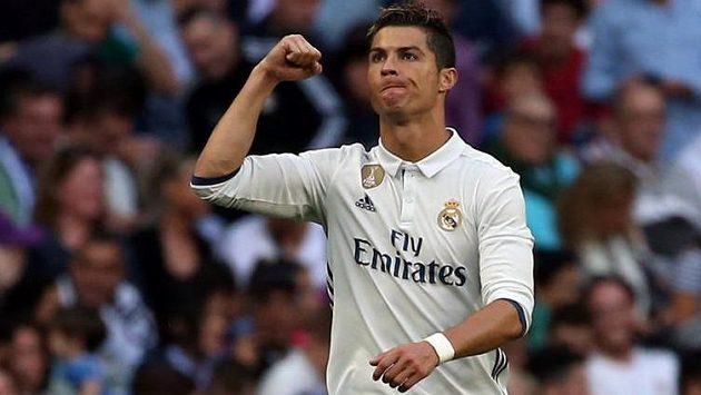 Cristiano Ronaldo slaví druhý gól svého Realu Madrid v utkání španělské ligy se Sevillou.