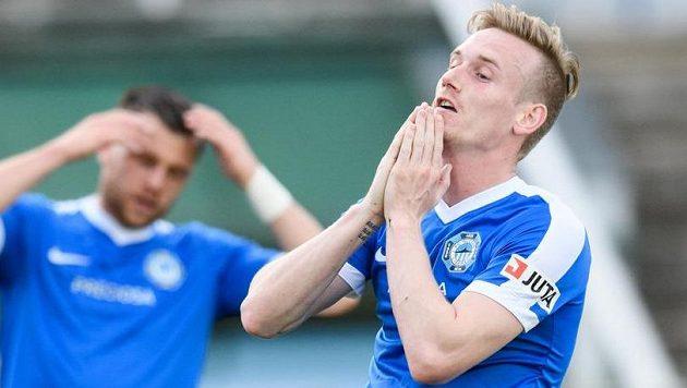 Liberecký záložník Petr Ševčík během utkání s Duklou.