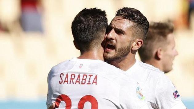 Španělé se radují z vedoucí branky utkání