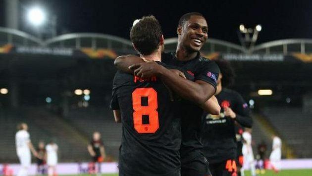 Fotbalista Manchesteru United Juan Mata slaví gól proti LASK Linec.