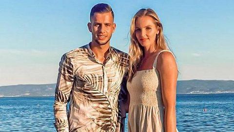 Dávid Hancko a jeho snoubenka Kristýna Plíšková během dovolené v Chorvatsku.