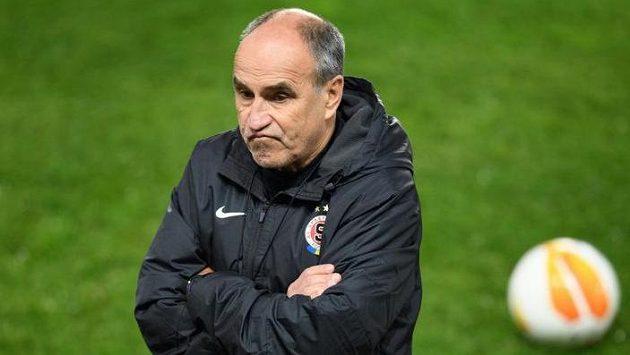 Zklamaný trenér Sparty Praha Václav Kotal.