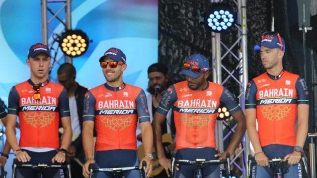 Ondřej Cink (vlevo) při představení týmu před startem Tour de France v Düsseldorfu.