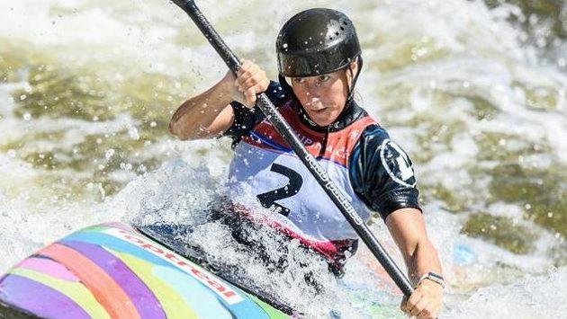Kajakářka Kateřina Kudějová během finálové jízdy