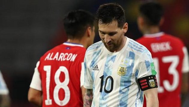Zklamaný Lionel Messi po zápase s Chile