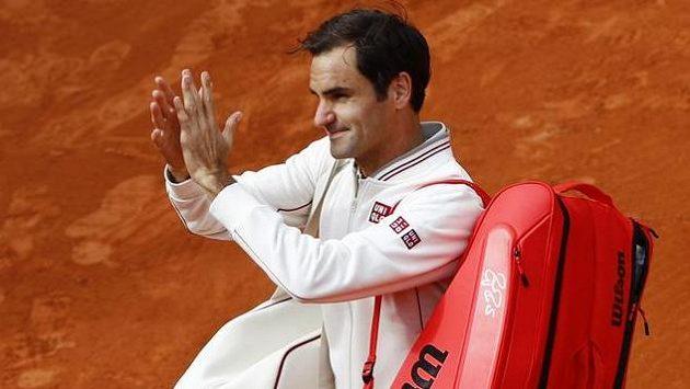 Roger Federer je na French Open v dalším kole