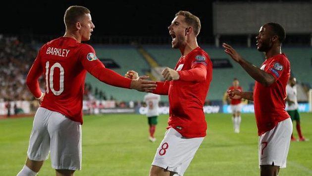 Angličtí fotbalisté v Bulharsku dominovali od úvodních minut