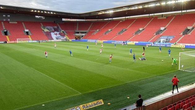 Zápas Slavie s Libercem se odehrál bez fanoušků.