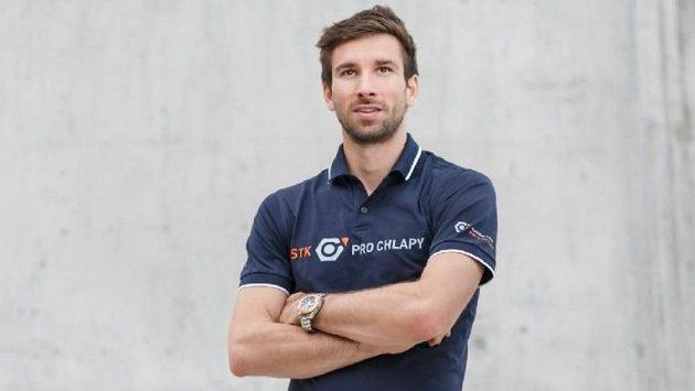 Mistrovství republiky v racketlonu si zahrál i Petr Koukal, který byl dlouholetou českou jedničkou v badmintonu.