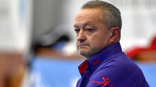 Zachmuřený trenér české reprezentace Jan Bašný.