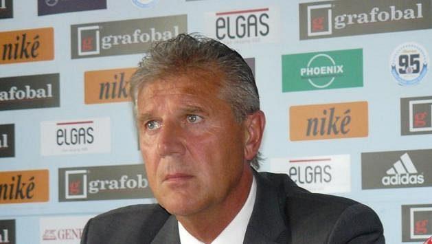 Jozef Chovanec byl představen jako nový kouč Slovanu Bratislava.