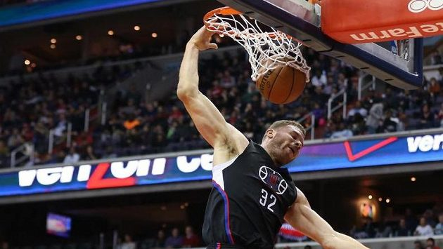 Basketbalisté Los Angeles Clippers Blake Griffin v zápase proti Washingtonu.