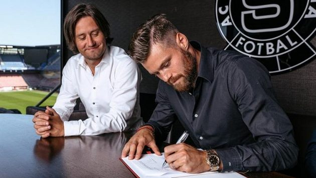 Sportovní ředitel Tomáš Rosický si od příchodu Ondřeje Čelůstky do Sparty hodně slibuje.