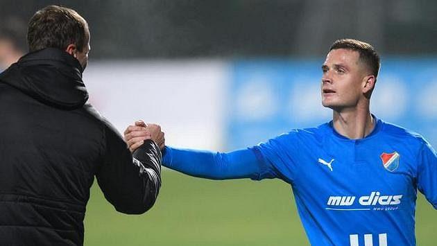 Zastupující trenér Baníku Ostrava Ondřej Smetana a Roman Potočný během utkání v Příbrami.