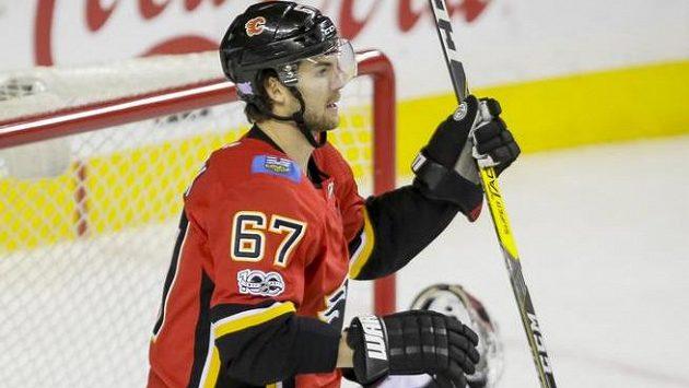Útočník Calgary Michael Frolík.