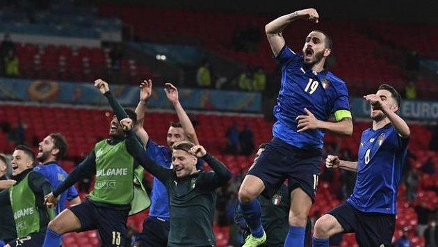 Italové to nakonec zvládli a postoupili do čtvrtfinále EURO
