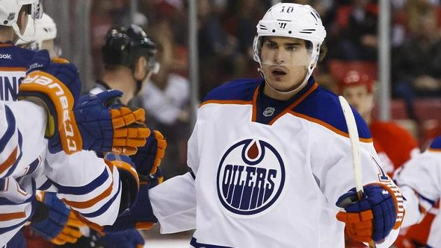 Ruský útočník Edmontonu Nail Jakupov.
