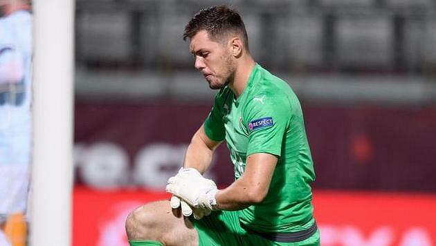 Český brankář Aleš Mandous po gólu inkasovaném z penalty.