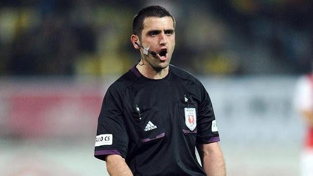 Rozhodčí Martin Nenedál během utkání Teplice-Slavia.