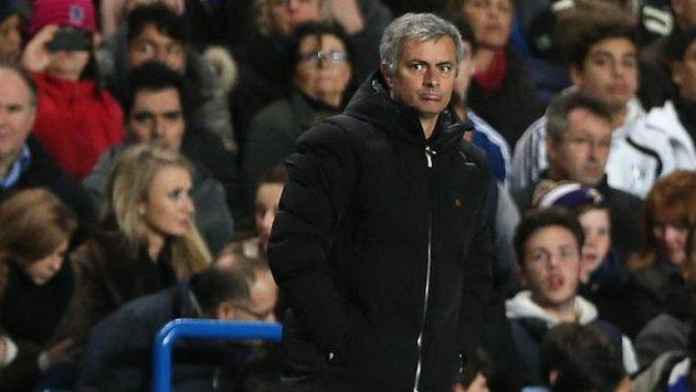 Kouč Chelsea José Mourinho během zápasu Ligy mistrů se Schalke 04.