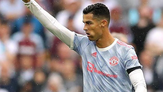 Cristiano Ronaldo se raduje z gólu do sítě West Hamu.