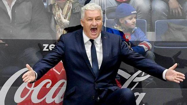 Trenér českého týmu Miloš Říha na střídačce.