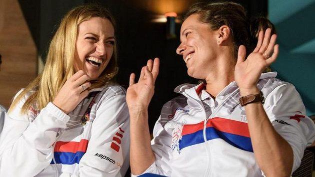 Petra Kvitová (vlevo) a Barbora Strýcová se dobře bavily.