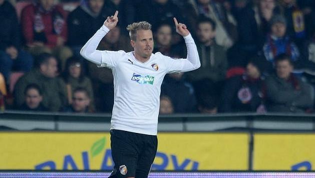 Disciplinární komise FAČR zahájila řízení s plzeňským obráncem Davidem Limberským za vulgární gesta k fanouškům.