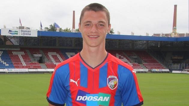 Talentovaný záložník Dominik Janošek se stal kmenovým hráčem Viktorie Plzeň.