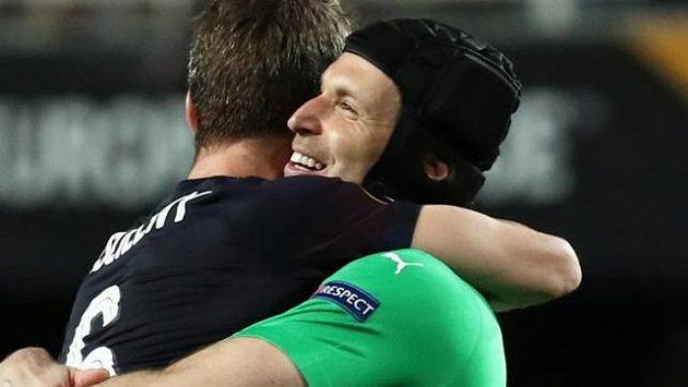 Petr Čech slaví postup do finále Evropské ligy