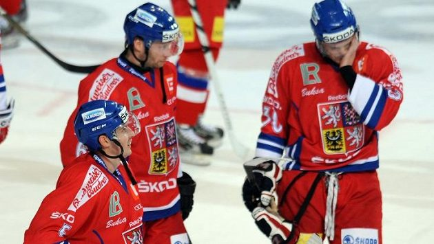 Čeští hokejisté ztratili dvougólové vedení a Slovensku nakonec podlehli 2:3.