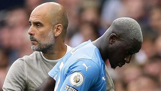 Benjamin Mendy a Pep Guardiola z Manchesteru City