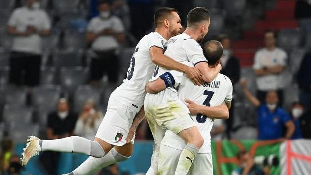 Italové slaví postup do semifinále EURO.