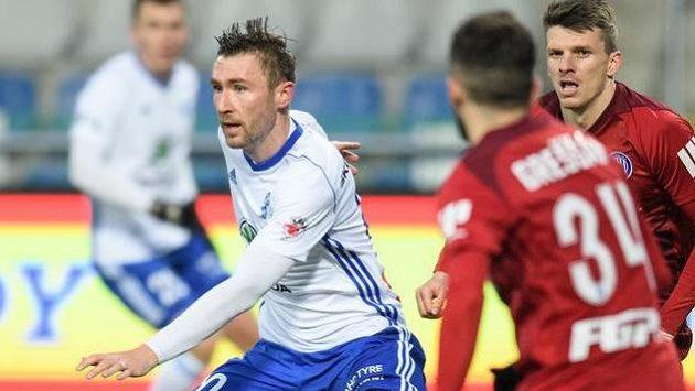 Jaromír Zmrhal z Mladé Boleslavi během utkání se Sigmou Olomouc.