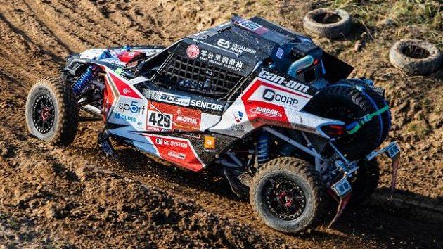 Hned čtyři vozy vysílá do Dakaru stáj Buggyra. Mezi piloty trojnásobný vítěz rallye nebo Tomáš Enge