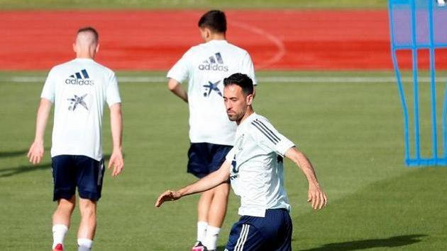 Španělský kapitán Sergio Busquets během tréninku.