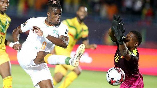 otbalisté Pobřeží slonoviny postoupili do čtvrtfinále mistrovství Afriky, když porazili Mali