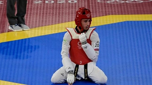 Irský olympionik Jack Woolley skončil po napadení neznámého útočníka v nemocnici. Krvavá zranění si vyžádají operaci, v ohoržení života ale mladý taekwondista není.