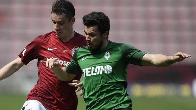 Vladimir Jovovič (vpravo) je v nominaci fotbalistů Černé Hory pro souboj s Českem.