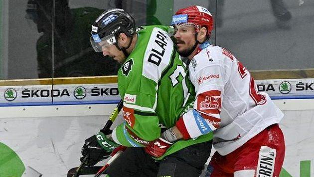 Ondřej Dlapa z Mladé Boleslavi (vlevo) v semifinálovém zápase.