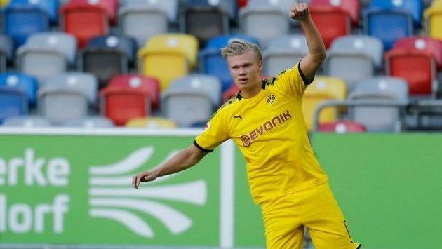 Erling Haaland zajistil Dortmundu výhru v páté minutě nastavení
