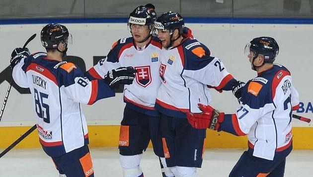 Slovenští hokejisté na archivním snímku.