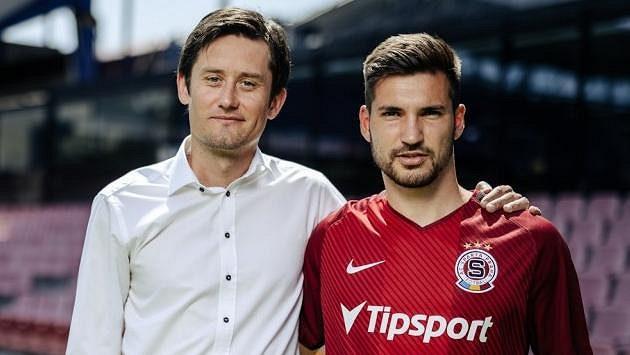 Tomáš Rosický (vlevo) s Michalem Trávníkem, jednou z letních posil Sparty.