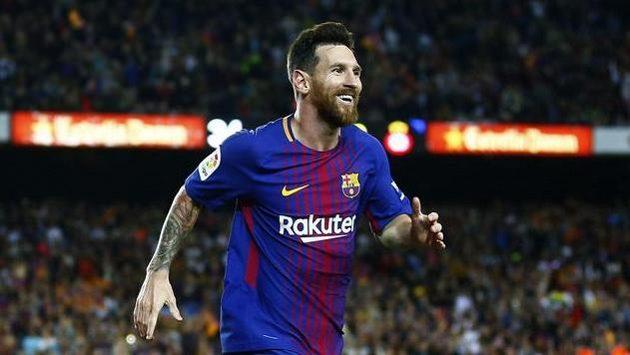 Lionel Messi se raduje po jednom z gólů proti EspaNolu.
