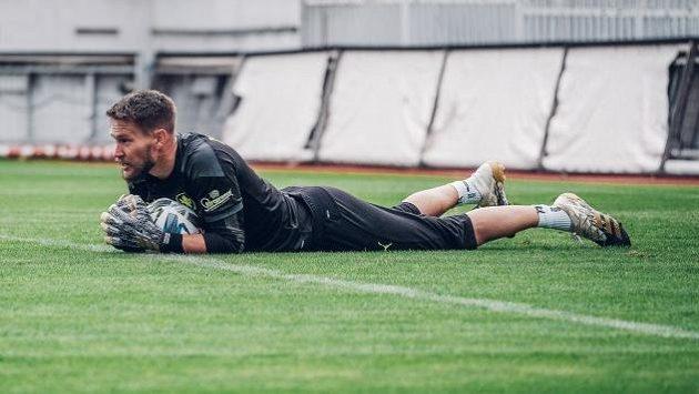Fotbalisty Sevilly, mezi které patří i český reprezentační brankář Tomáš Vaclík, povede nadále trenér Julen Lopetegui. S klubem prodloužil smlouvu do konce června 2024.