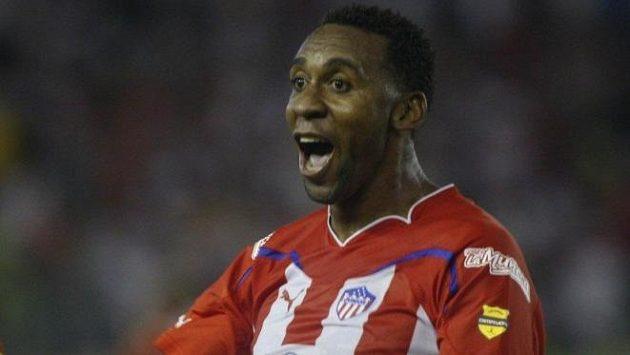 Jhon Viáfara se raduje z gólu v utkání Poháru osvoboditelů v době svého působení v celku Junior de Barranquilla.