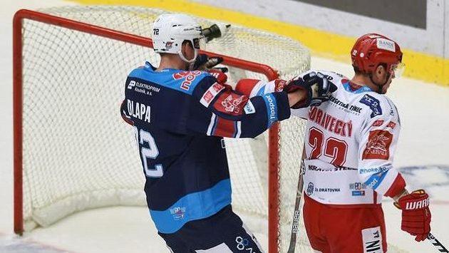 Ondřej Dlapa z Chomutova v utkání proti Třinci.