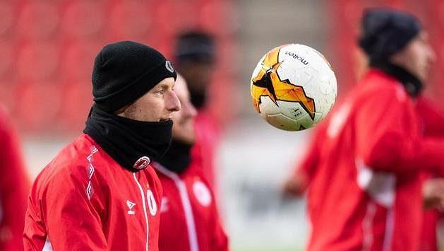 Slávista Vladimír Coufal během tréninku před utkáním s Genkem.