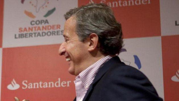 Soudce etické komise Mezinárodní fotbalové federace FIFA Juan Pedro Damiani.