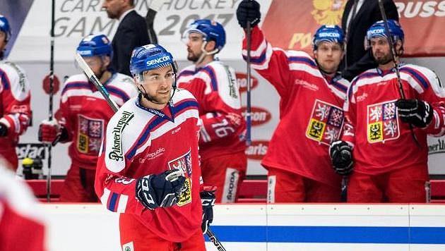 Jan Rutta může slavit, od příští sezóny bude hrát NHL za Chicago.